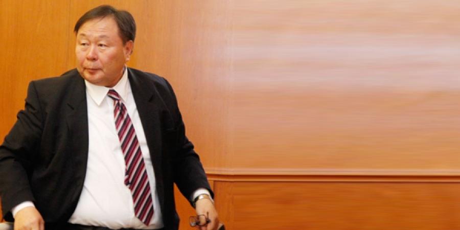 А.Зангад эрүүл мэндийн шалтгааны улмаас үүрэгт ажлаасаа чөлөөлөгдөж, Монгол Улсын Ерөнхий аудитороор Д.Хүрэлбаатарыг томиллоо