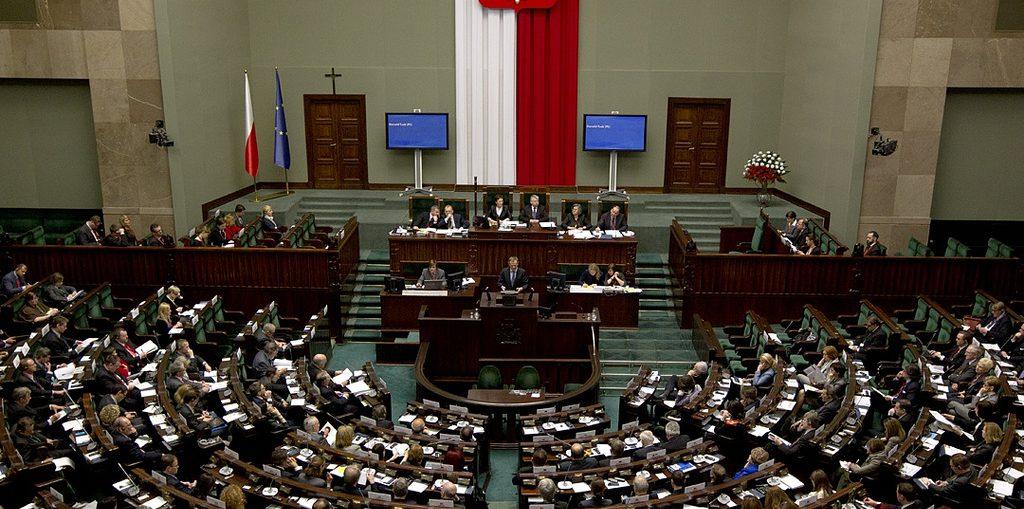 Польш улсын Засгийн газраас жилийн 0,15 хувийн хүүтэй 50 сая еврогийн зээл авна