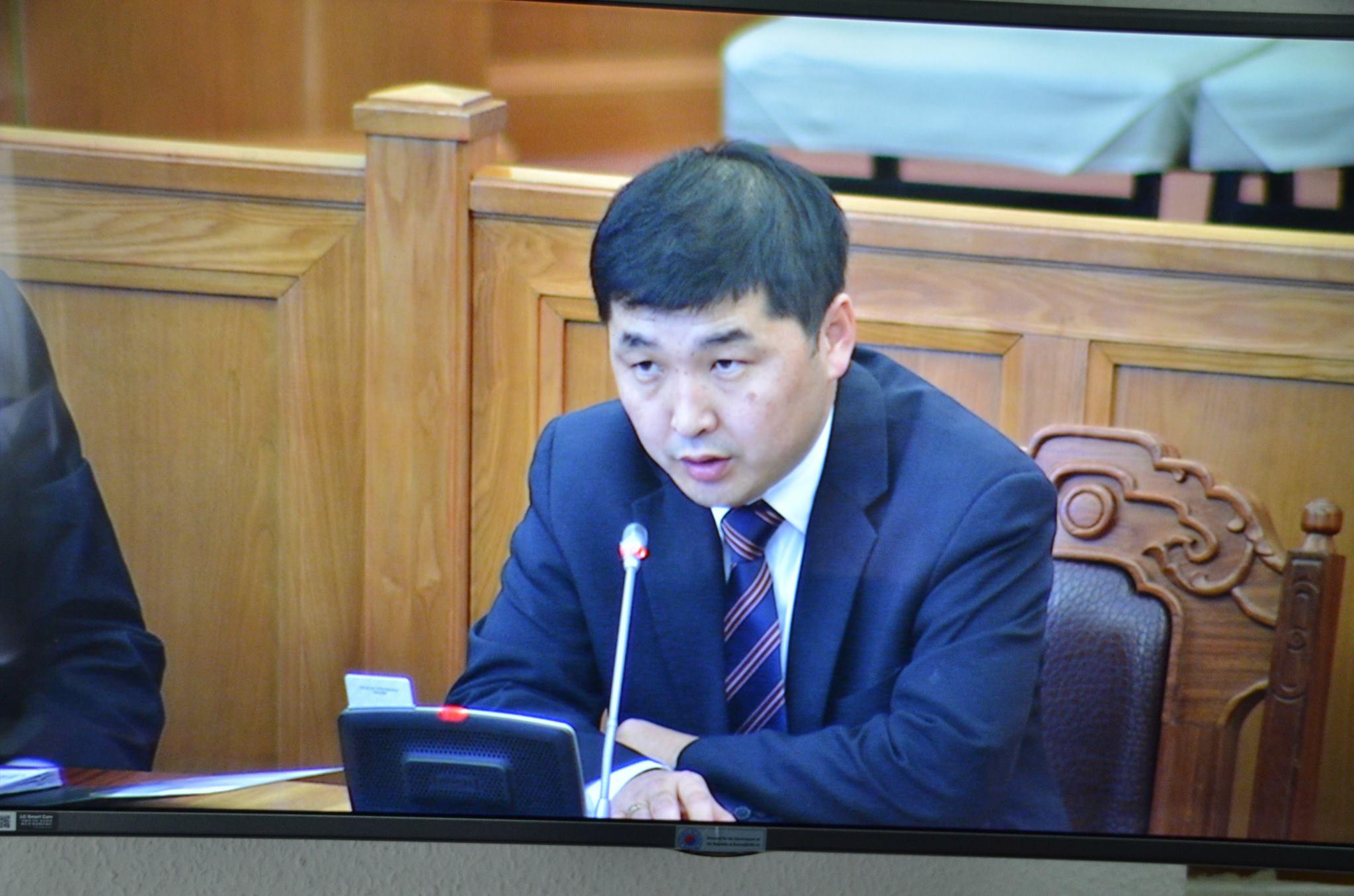 О.Баасанхүү: Ерөнхийлөгч Эрдэнэт үйлдвэрийг 100 хувь Монголын төр эзэмшихийн эсрэг байгаа юм уу?