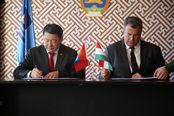 Унгар улсын Засгийн газрын тэтгэлгээр 200 иргэнийг суралцуулна