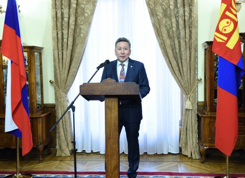 """""""Монгол, Орос дахь улстөрийн үйл явцын онцлогууд"""" номын нээлт Москва хотод боллоо"""