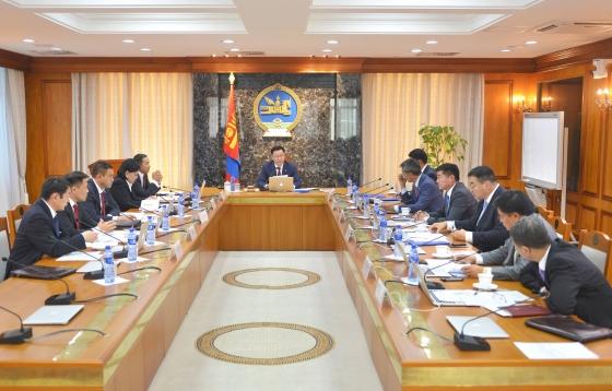"""""""Монгол Улсын эдийн засаг, нийгмийг 2016 онд хөгжүүлэх чиглэлийн  чиглэлийн биелэлт 61 хувьтай гарчээ"""