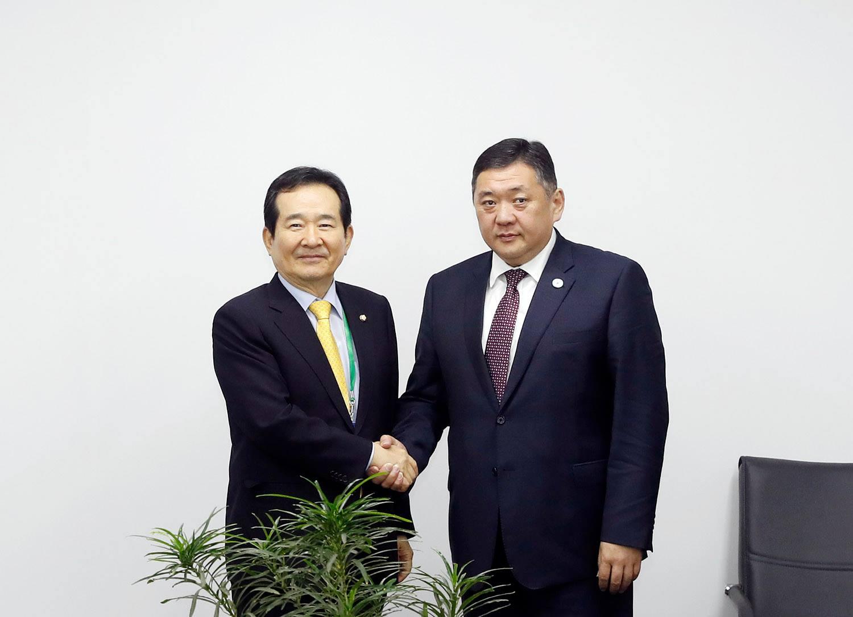 БНСУ-ын Үндэсний Ассамблейн дарга Чун Се Кьюн Монгол Улсад туслахад бэлэн байгаагаа УИХ-ын дарга М.Энхболдод илэрхийллээ