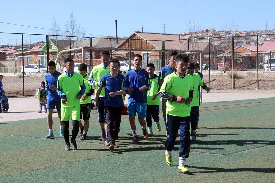 Сонгинохайрхан дүүргийн өсвөрийн хөлбөмбөгийн клубын тамирчид Хөх хотод хамтарсан бэлтгэл хийнэ