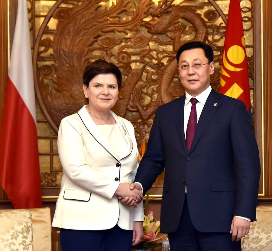 Польшийн Ерөнхий сайдтай уулзаж, Японы Лан-ын дарга бараалхлаа