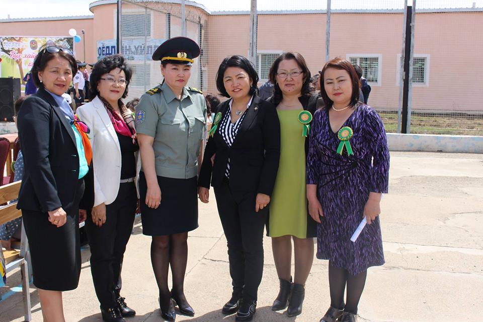 Эмэгтэйчүүдийн хорих 407 дугаар ангид ажиллалаа