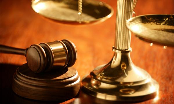 Шүүгчийн хараат бус байдалд нөлөөлөхийг оролдсон бол баривчлах биш торгохоор хуульчиллаа