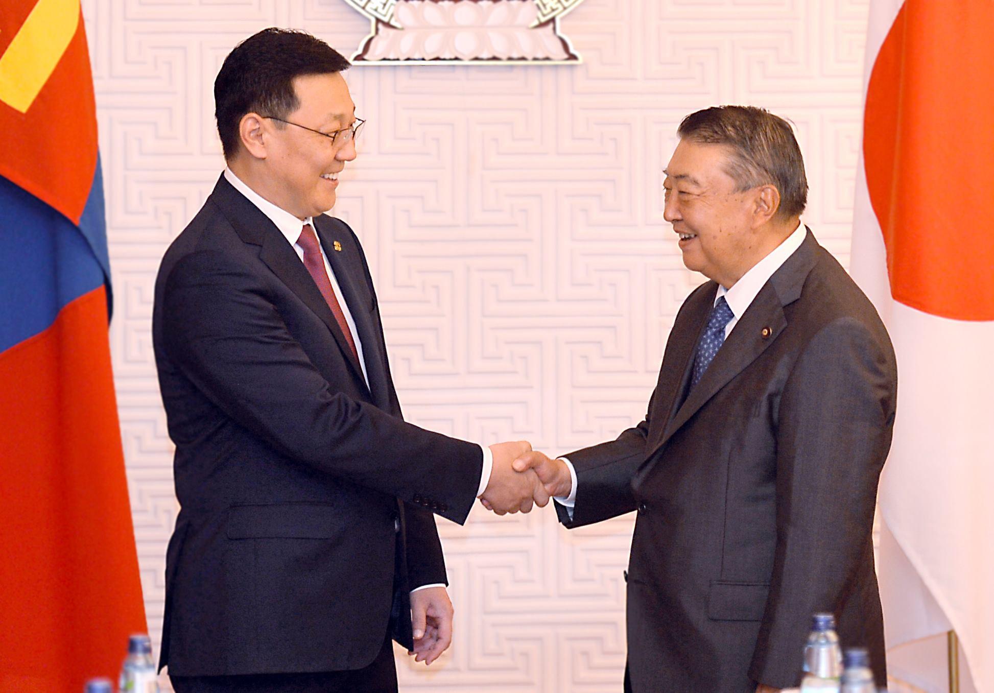 Ерөнхий сайд Ж.Эрдэнэбат Японы парламентын төлөөлөгчдийн танхимын дарга Т.Оошимад бараалхлаа