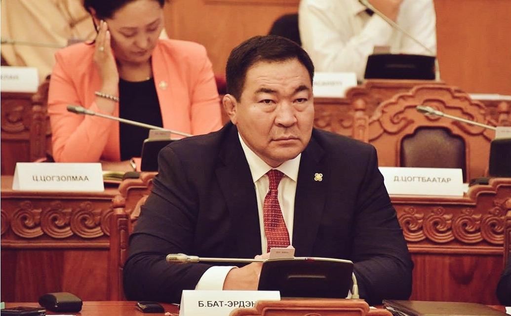 Б.Бат-Эрдэнэ: Батлан хамгаалах яамны томилгооны эрх мэдэл Монгол Улсын Ерөнхийлөгчид байдаг