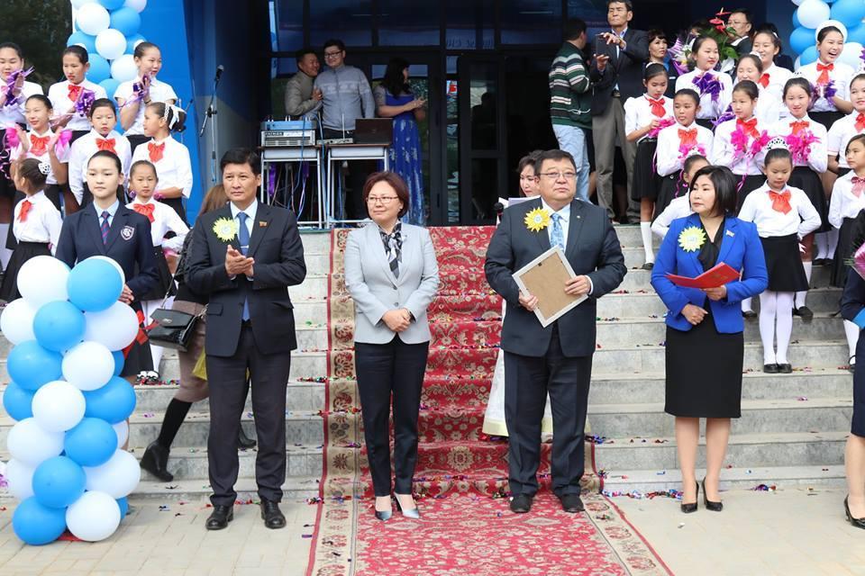 Баянгол дүүрэгт 960 хүүхдийн сургууль нээлтээ хийлээ