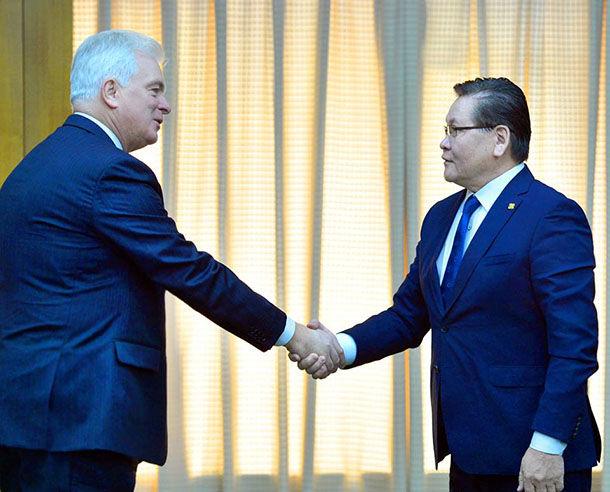 Словак Улстай харилцах харилцааг өргөжүүлэх шинэ боломжуудыг нээнэ