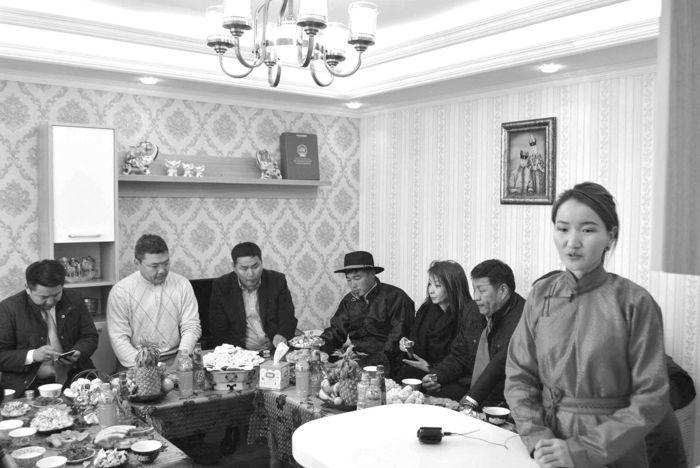 """""""Жишиг сууц"""" эко төслийн анхны барилга хэнтий аймгийн Баян-Овоод ашиглалтад орлоо"""