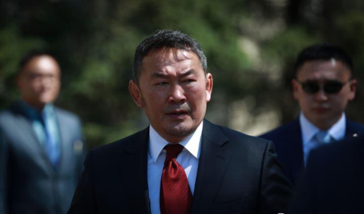 Ерөнхийлөгч 2017 оны төсвийн тодотголд бүхэлд нь хориг тавьлаа