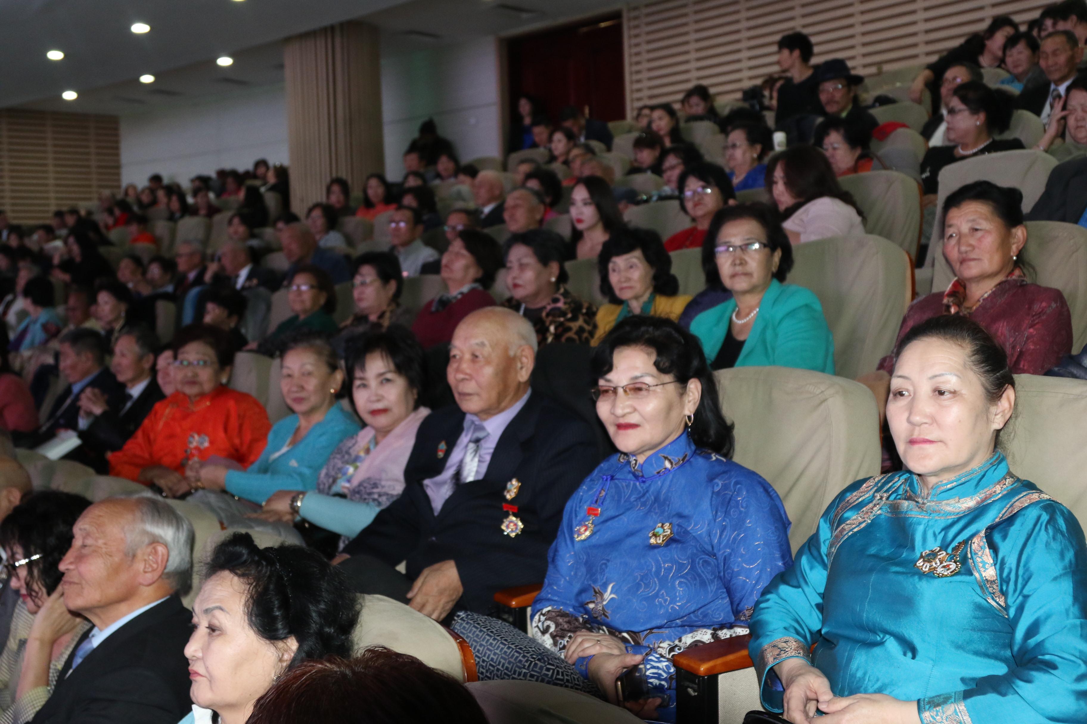 Сонгинохайрхан дүүрэг байгуулагдсаны 25 жилийн баярын хурал боллоо
