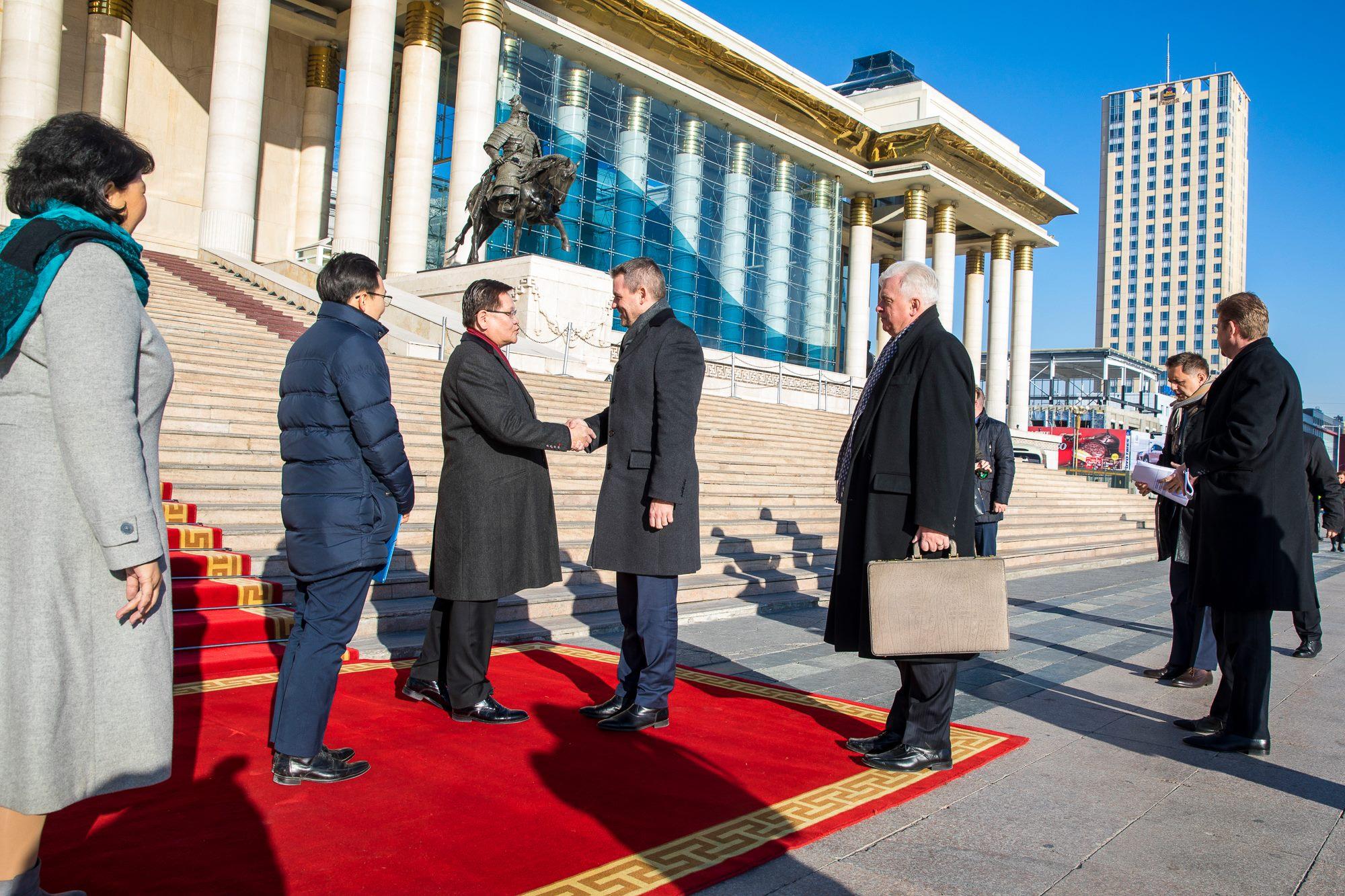 Словакийн Шадар сайдын айлчлал эхэллээ