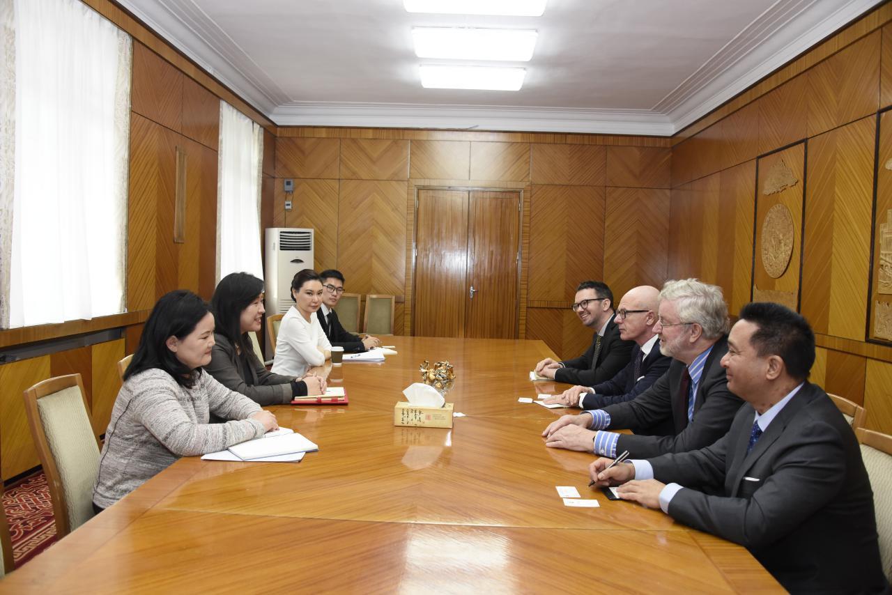 """""""Хариуцлагатай уул уурхайг дэмжих лобби бүлэг""""-ийн гишүүд Монгол Улсад суугаа Элчин сайдуудыг хүлээн авч уулзлаа"""
