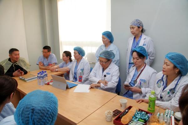 """Япон Улсын """"Зүрх хамгаалах төсөл"""" ТББ-ын эмч нарт талархал илэрхийлэв"""