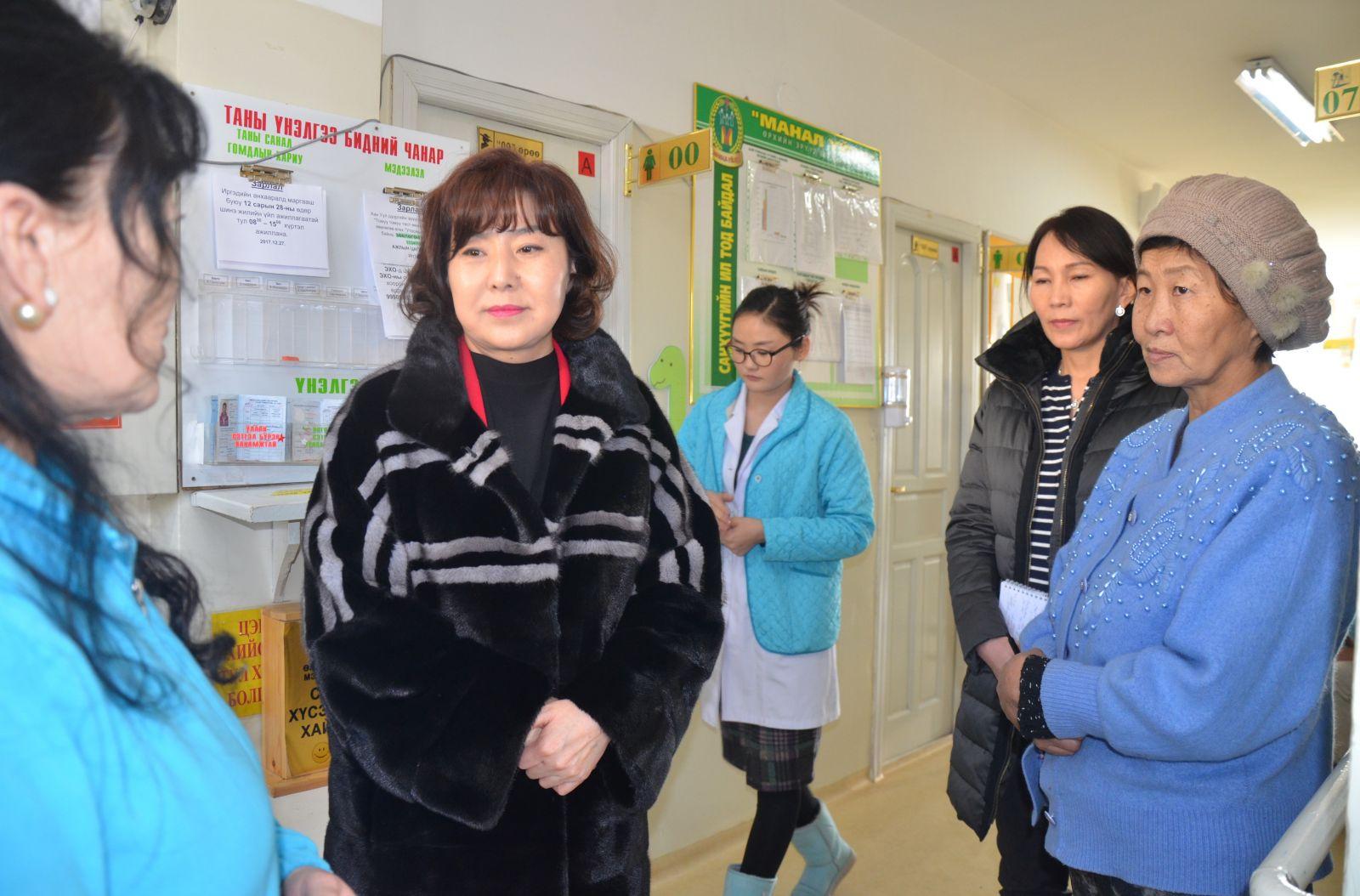 Эрүүл мэндийн сайд Өрхийн эрүүл мэндийн төв болон дүүргийн нэгдсэн эмнэлгүүдэд ажиллалаа