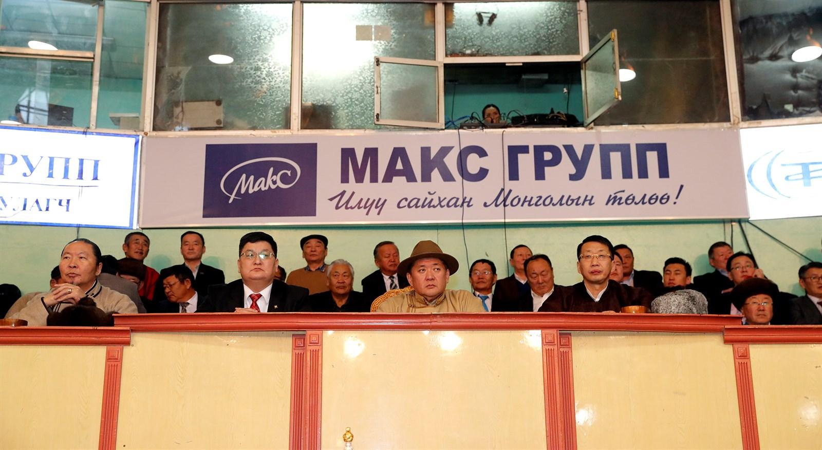 Монгол Улсын Үндсэн хууль батлагдсаны 26 жилийн ойн өдөрт зориулсан үндэсний бөхийн барилдаан болов