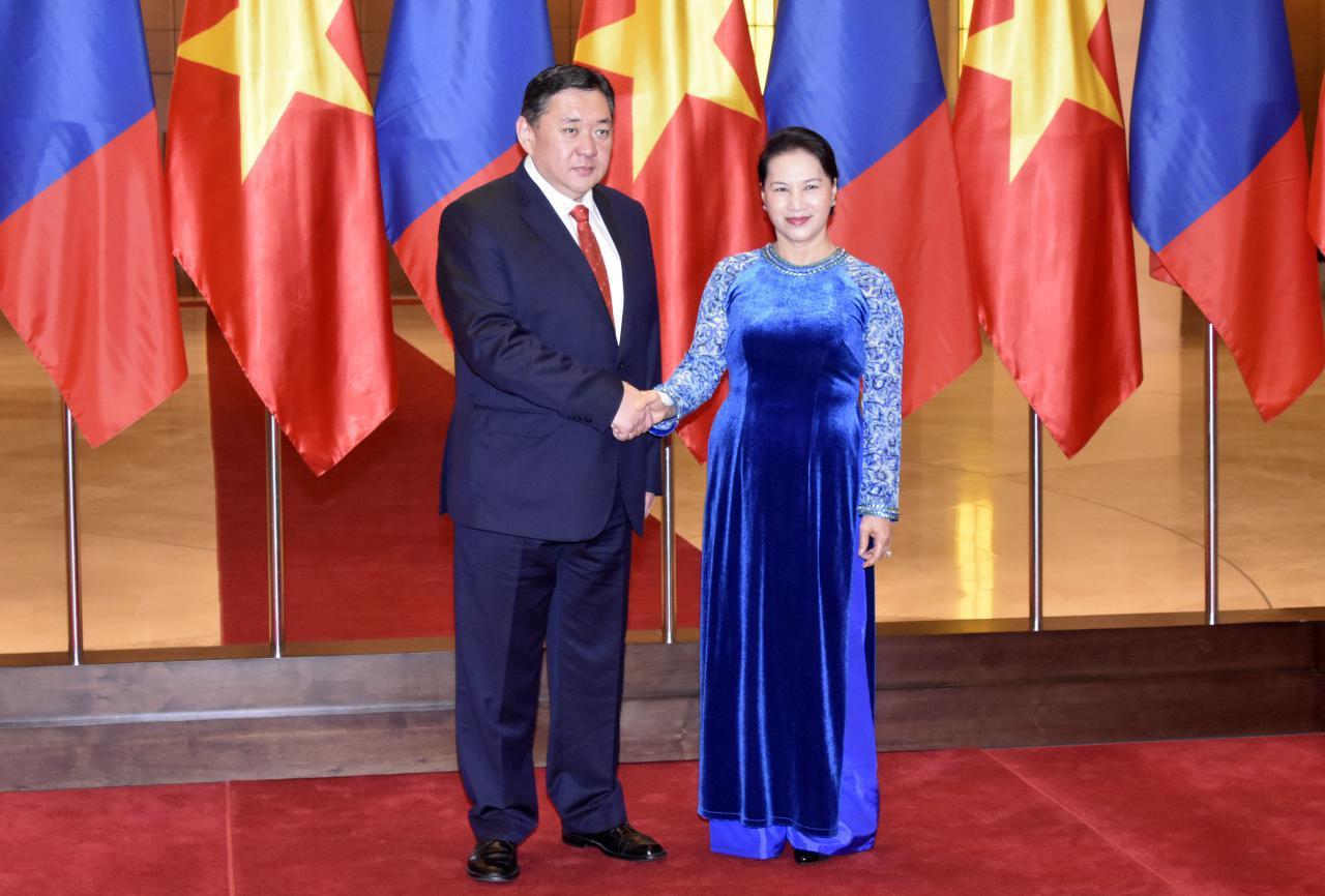 Монгол Улсын Их Хурлын дарга М.Энхболд БНСВУ-д албан ёсны айлчлал хийж байна