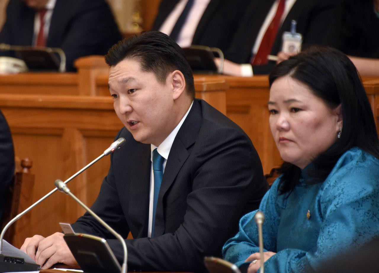 Улсын Их Хурлын гишүүдээс Монгол Улсын Ерөнхий сайдад тавьсан асуулгын хариуг сонсов