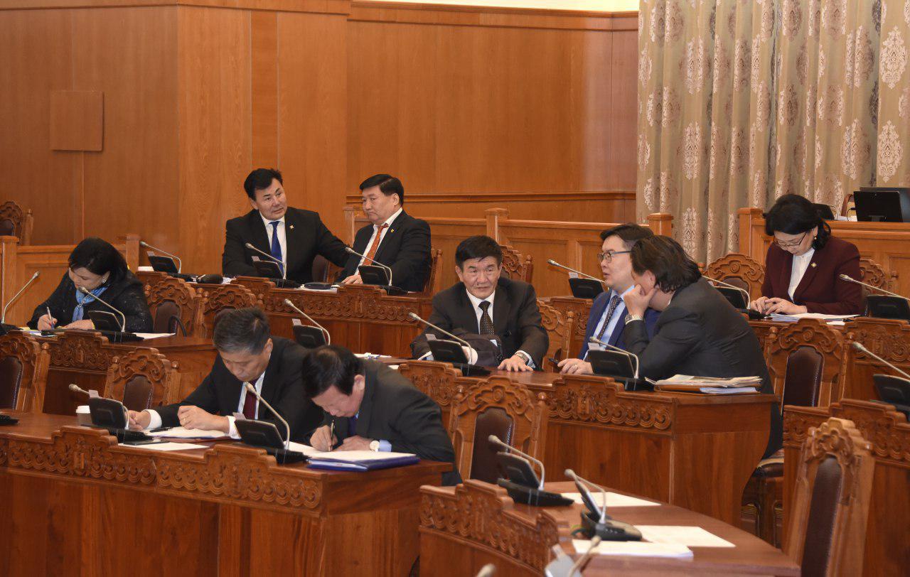 Я.Содбаатар: Монгол улсад хадгаламж нэрээр МӨНГӨ ХҮҮЛЭХ байдал их байгаа