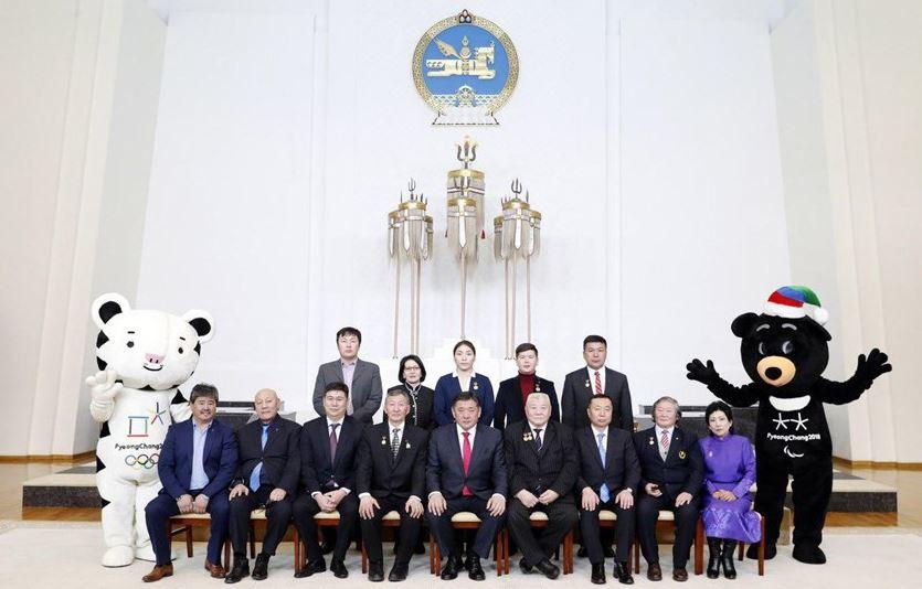 Улсын Их Хурлын дарга М.Энхболд олимпийн медальтнуудыг хүлээн авч уулзлаа