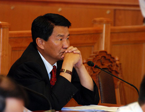 Ц.Даваасүрэн: Оюутолгойн гэрээг хийсэн хүмүүс Монголд амьдрахад ч хүнд болно
