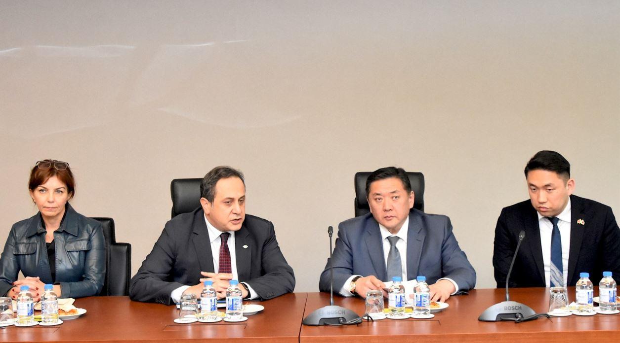 Монголд зээл олгож, хөрөнгө оруулалт хийх сонирхлоо Турк Улс илэрхийлж байна