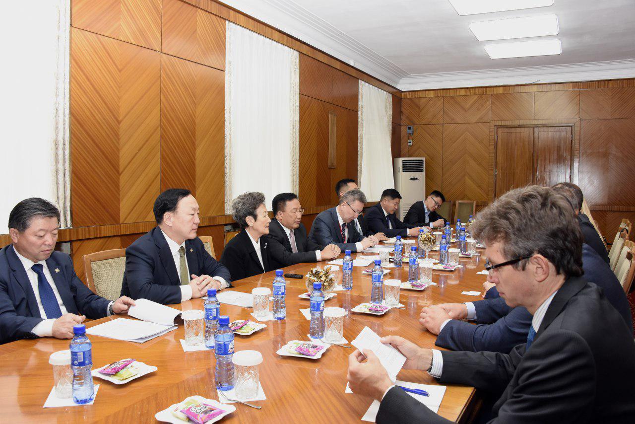 Монгол, Польшийн парламентын бүлгийн гишүүд уулзлаа