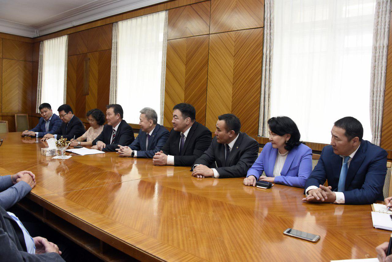Монгол-Германы парламентын бүлгийн гишүүд Бундестаг дахь Герман-Төв Азийн бүлгийн даргатай уулзлаа