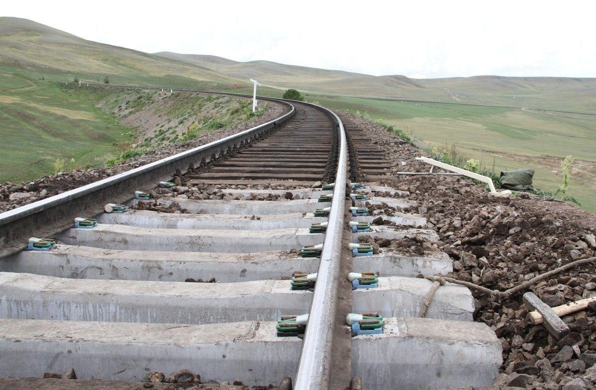 Зүүнбаян-Ханги, Эрдэнэт-Арц суурь чиглэлд төмөр зам барихыг дэмжив