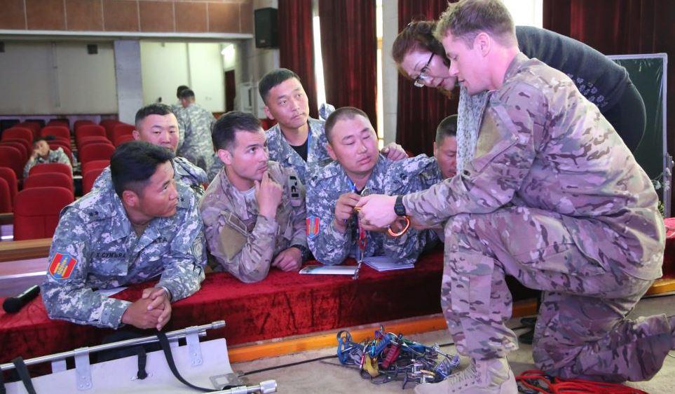 Монгол, Америкийн аврагчид харилцан туршлага солилцлоо