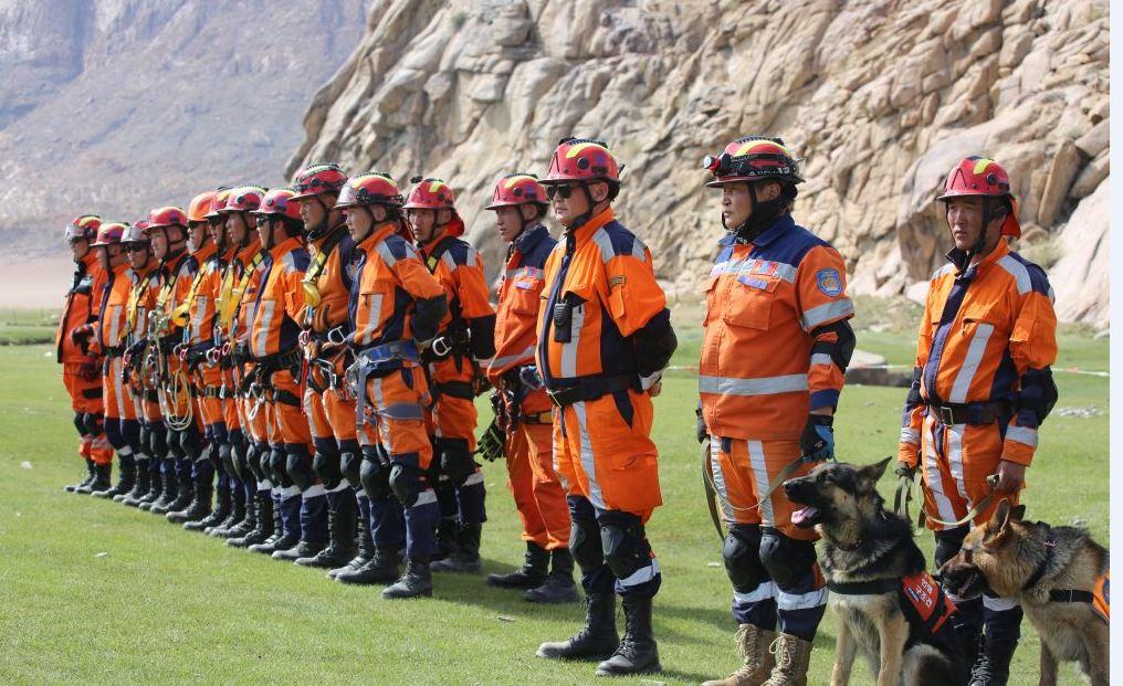 Уулнаас эрэн хайх, аврах ажиллагааны дадлага сургууль боллоо