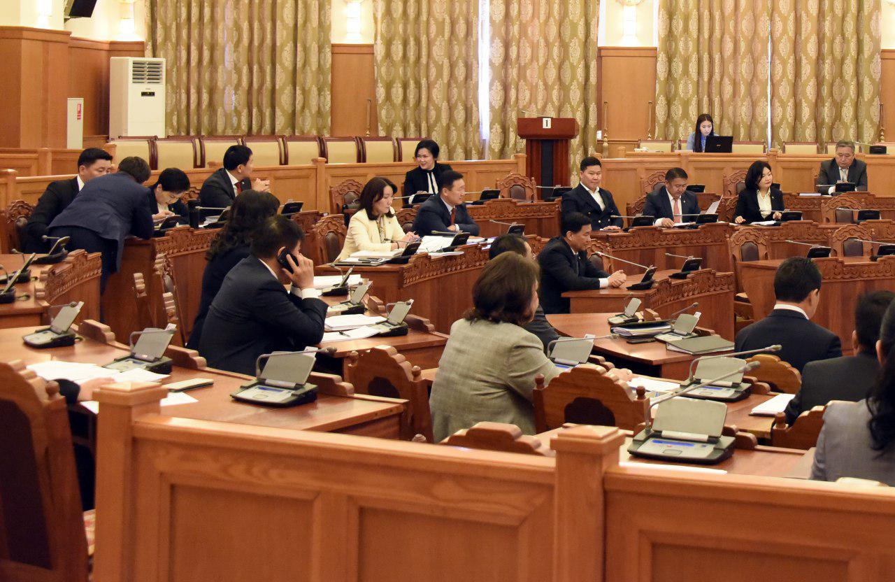 Л.Оюун-Эрдэнэ: Энэ үйл явдал парламентын түүхэнд хар өдөр болж үлдэнэ