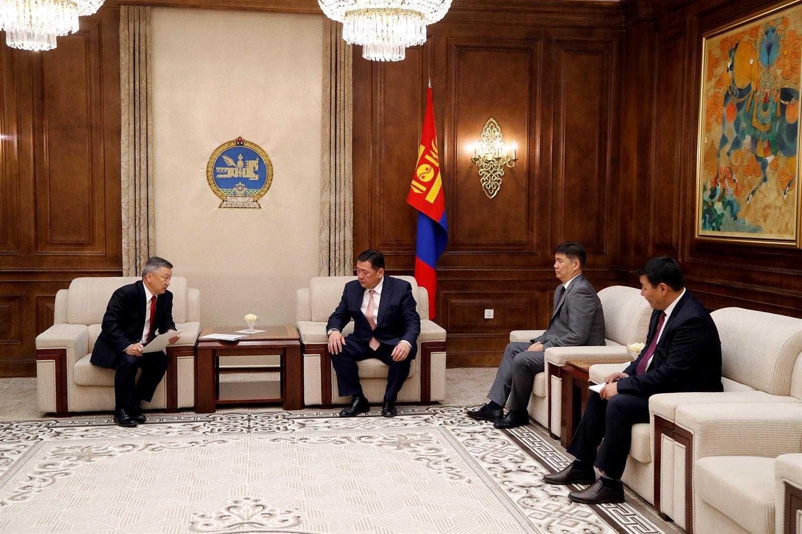 Монгол Улсын Ерөнхийлөгч Х.Баттулгын санаачилсан хуулийн төслийг өргөн барилаа