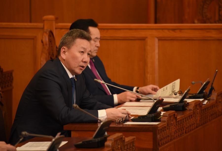 Л.Болд:Парламентын түүхэнд, монголчуудад хар өдөр тохиолоо. Хамгийн том баялагаа алдлаа