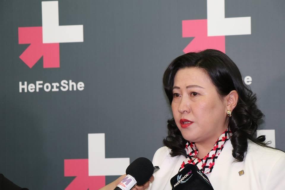 А.Ундраа: Улс төрийн намууд эмэгтэйчүүдэд боломж олгохгүй байна