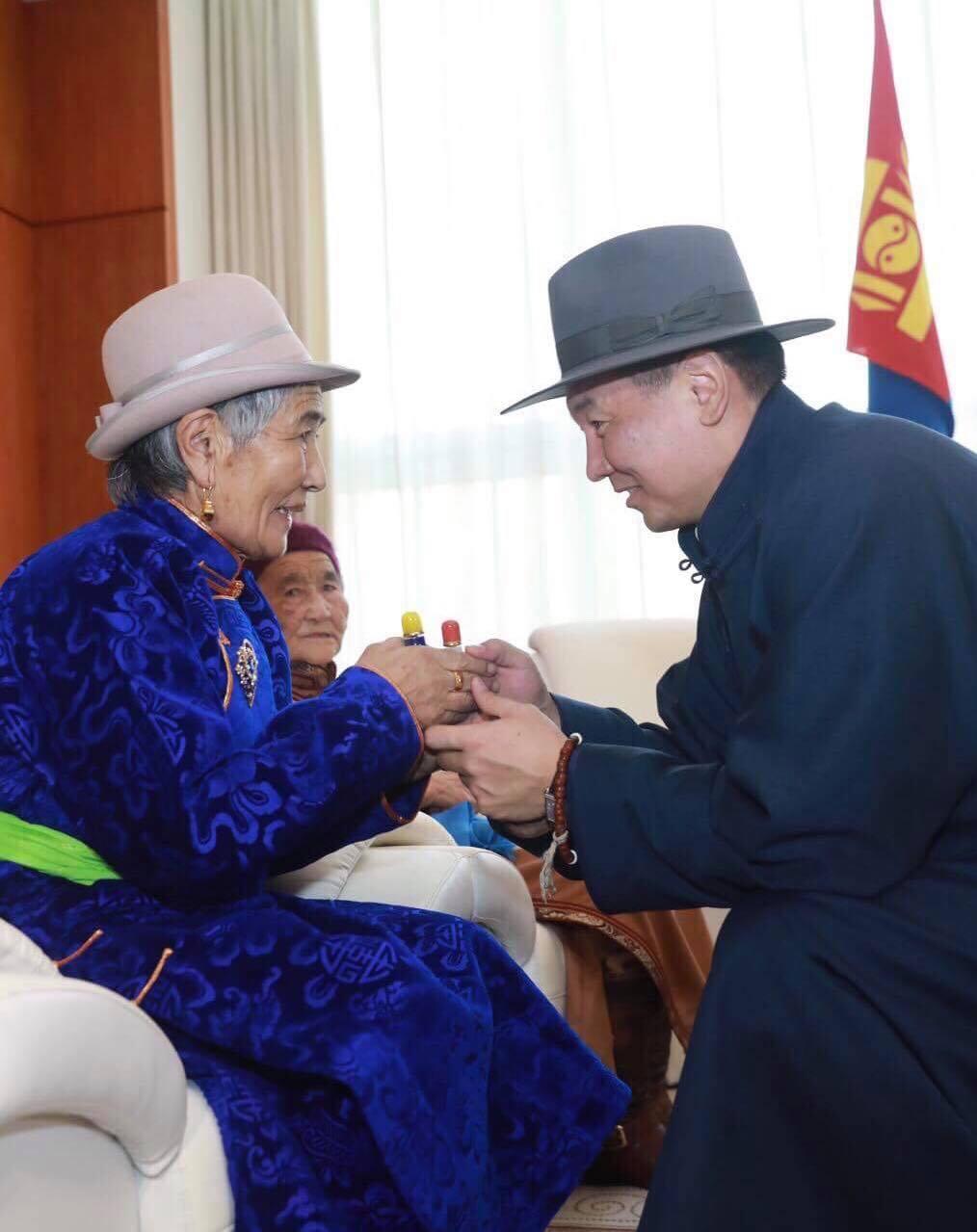 Монгол Улсын Ерөнхий сайд У.Хүрэлсүхийн үндэсний их баяр наадамд илгээх мэндчилгээ