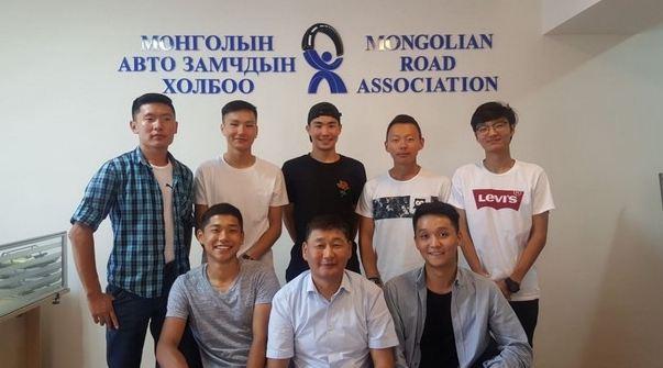"""ХБНГУ-д  """"Авто зам, гүний байгууламжийн ажилтан"""" мэргэжлээр суралцаж байгаа оюутнуудыг хүлээн авч уулзлаа"""