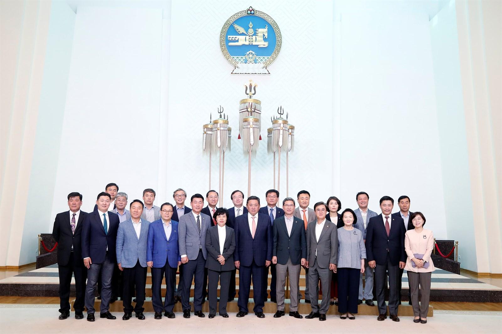 БНСУ-ын Үндэсний ассамблейн гишүүдийг хүлээн авч уулзлаа