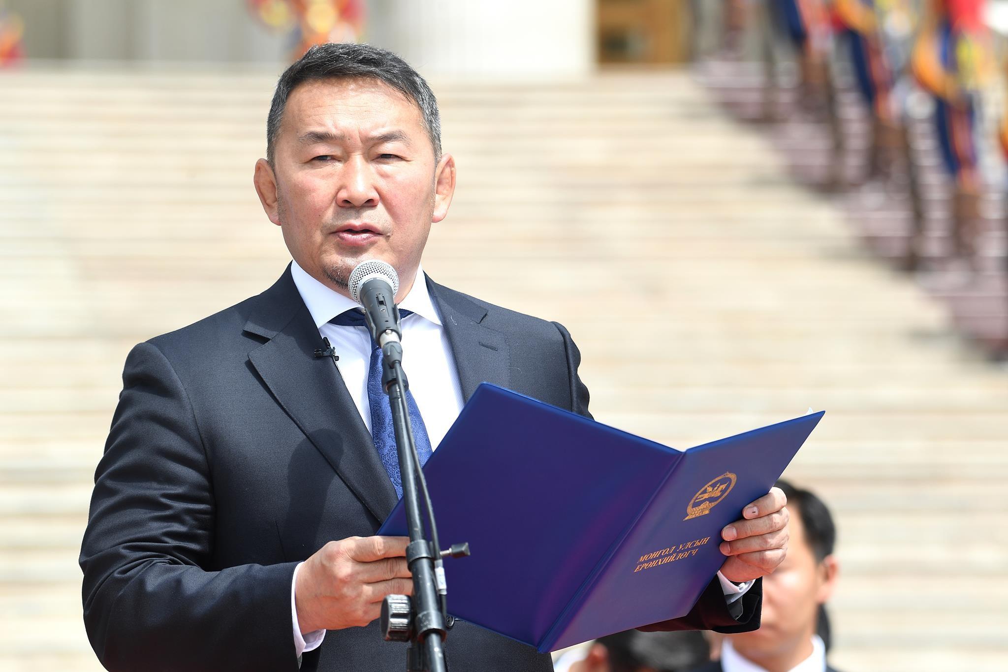 Ерөнхийлөгч Төрийн албаны зөвлөлийн даргад ёс зүйн хариуцлага тооцох санал хүргүүллээ