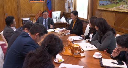 Засгийн газрын гишүүд МҮЭ-ийн холбооны удирдлагууд болон багш нарын төлөөллийг хүлээн авч уулзлаа