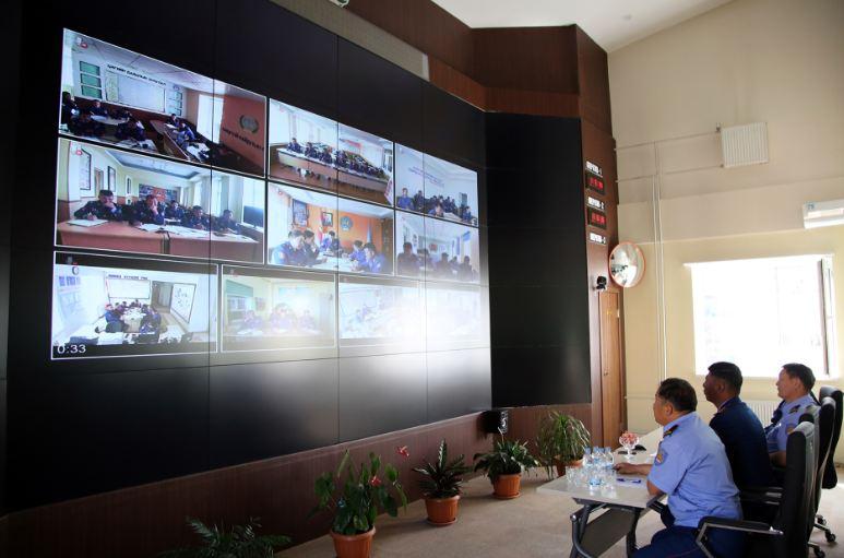 Орон нутгийн Онцгой байдлын газрын удирдлагуудтай цахим хурал хийв