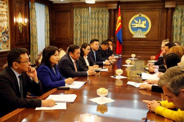 Европын парламентын төлөөлөгчдийг хүлээн авч уулзлаа