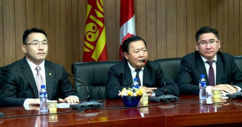 """Монгол Ардын Намын Удирдах зөвлөлөөс """"Андууд"""" ахмадын холбооны төлөөлөгчдөд хүндэтгэл үзүүллээ"""