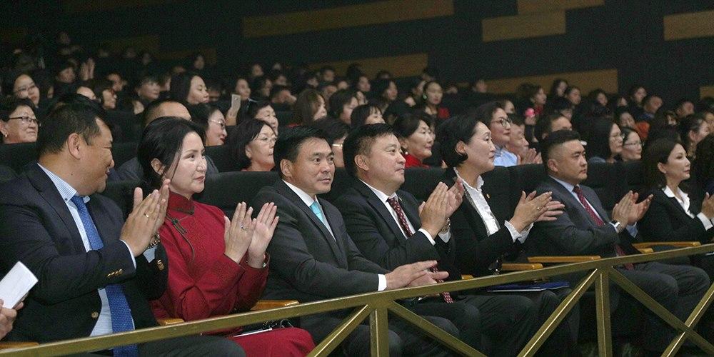 Монголын болон дэлхийн багш нарын баяр өнөөдөр тохиож байна