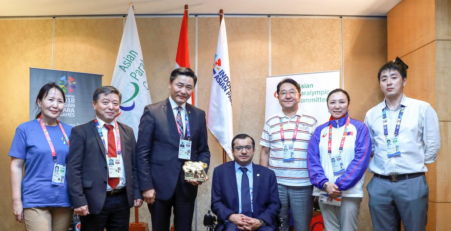 УИХ-ын гишүүн, НББСШУБХ-ны дарга Ё.Баатарбилэг Азийн паралимпийн хорооны ерөнхийлөгч Мажид Рашидтай уулзав