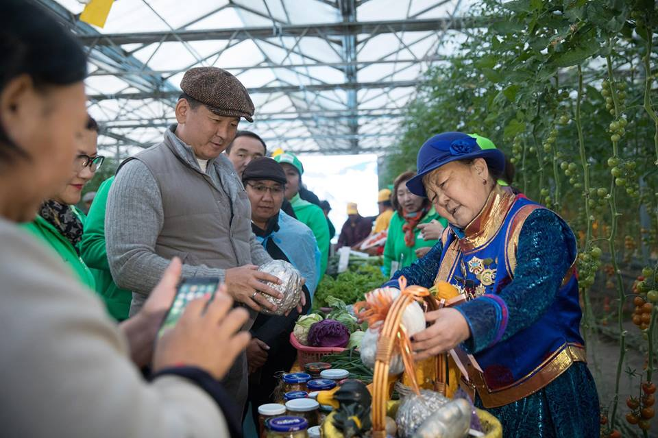 У.Хүрэлсүх: Монгол улс хүнсний орон болох ёстой гэдэг зорилт тавьж байгаа