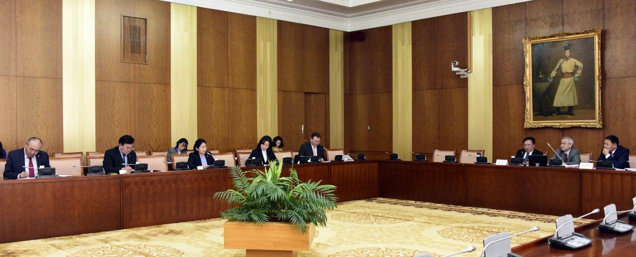 Валютын ханш, бензин, шатахууны үнийн асуудлаар Засгийн газар, Монголбанкинд чиглэл өгөх тухай Байнгын хорооны тогтоолыг баталлаа